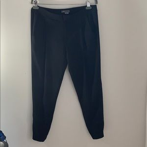 Vince black Jogger crop Pants, size 8